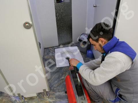 Cihazla Tuvalet Tıkanıklığı Açma
