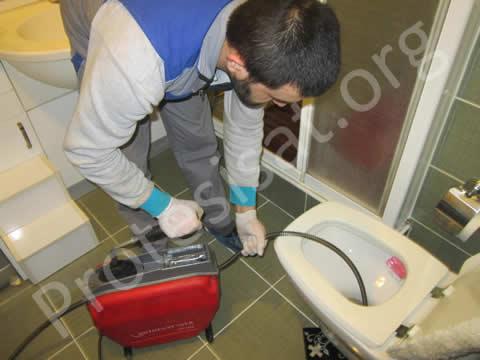 Kırmadan Tuvalet Tıkanıklığı Açma